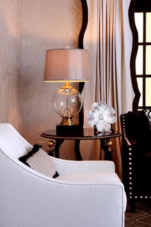 Interior-Design-by-Sharon-McCormick-Love-the-black-scalloped-drapery-banding-blush-500x750