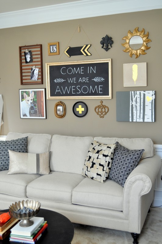 DIY-Living-room-makeover-black-gallery-wall-531x800