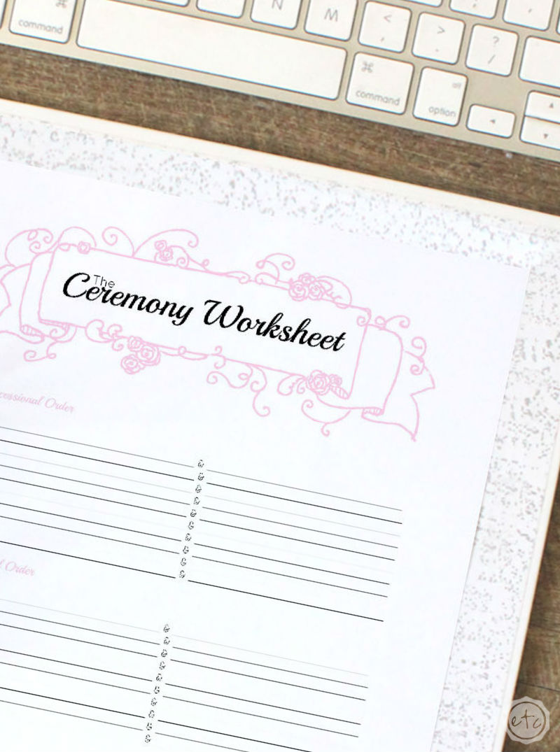 How to Put Together Your Perfect (FREE) Wedding Binder (+ 42 Free Wedding Printables!)