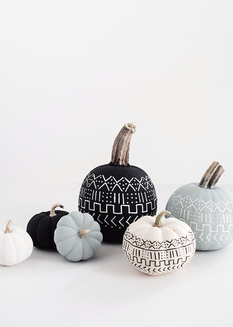 15-diy-mud-cloth-pumpkins3