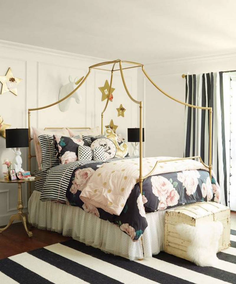 4 Alabaster a-family-affair-black-and-gold-and-white-bedroom-1448231830-565234f1c0bc6a033af6d766-w832_h721