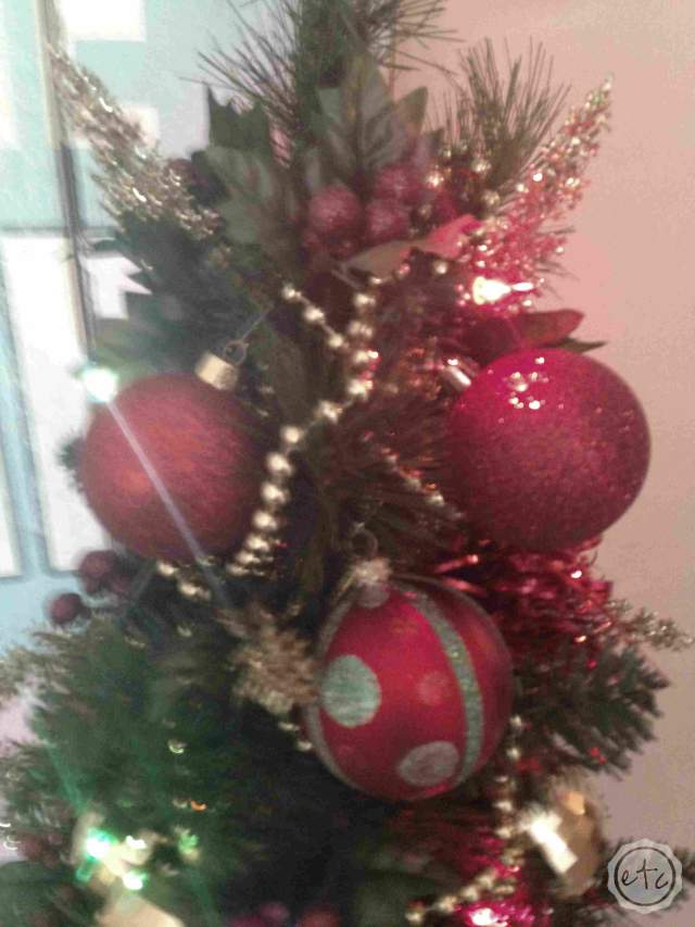 Christmas Decorating... Decking Out the Tree! | Happily Ever After Etc.