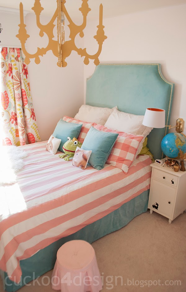 Turquoise_gold_pink_girls_bedroom1