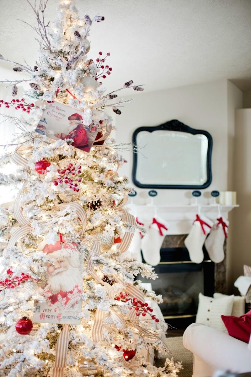 Winter Wonderland: 20 Snowy Christmas Trees