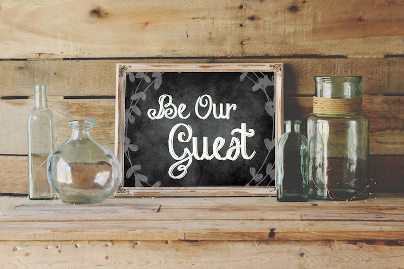 How cute are these printables for your guest room? I need all three! @HappilyEverAEtc