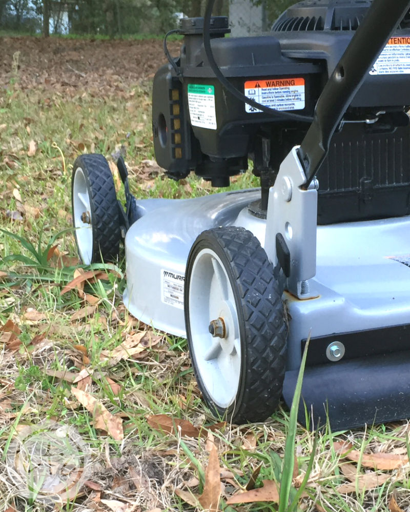 Lawn Care Checklist: A Complete Registry for your Yard with Happily Ever After, Etc.