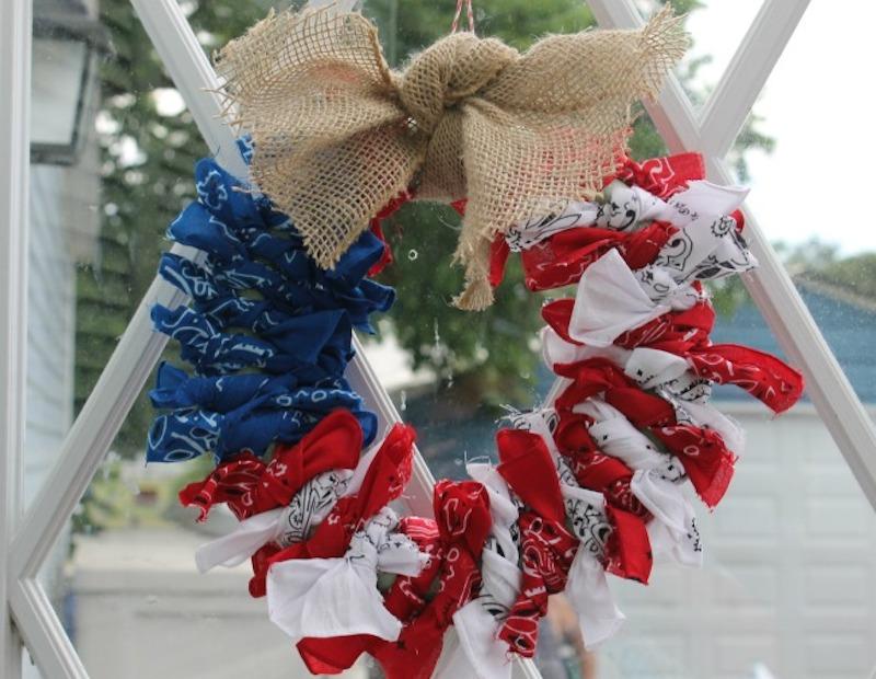 2 flag-wreath
