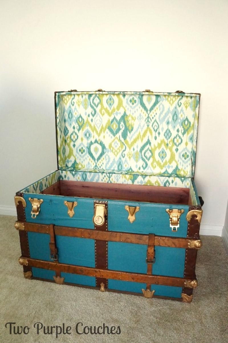 4 Vintage-Trunk-Makeover-Interior-Two-Purple-Couches
