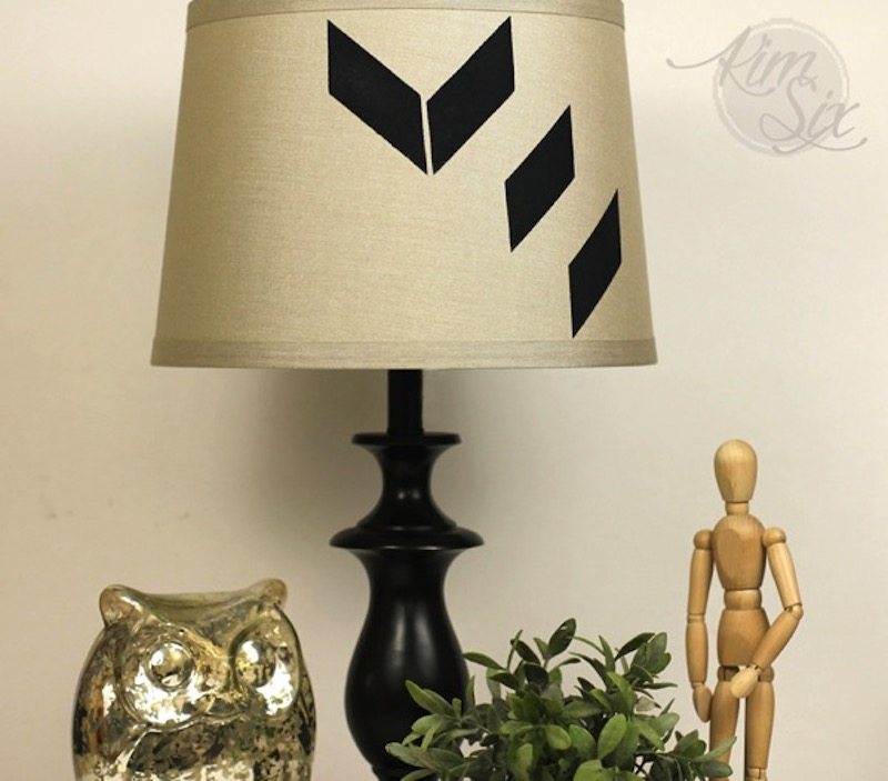 10-genometric-stenciled-lamp-shade