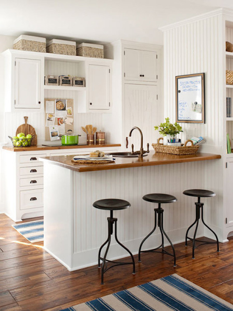 21 Examples of the Space above your Kitchen Cabinets ...