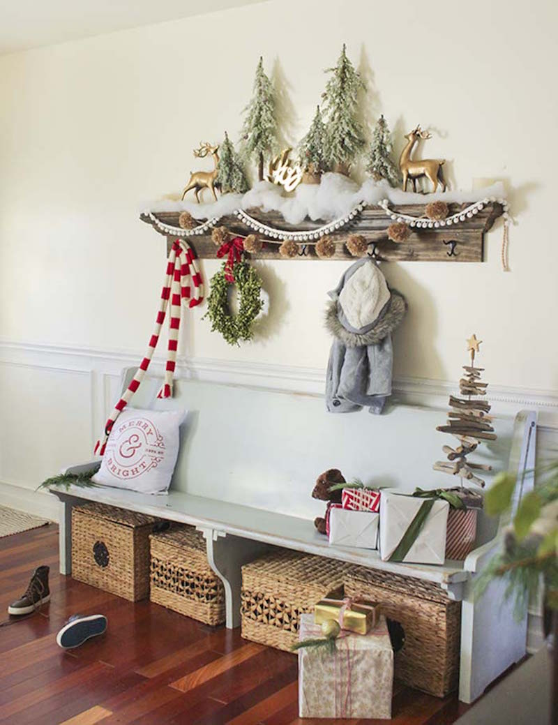 25 Fun and Fresh Traditional Christmas Decorations - Happily Ever ...