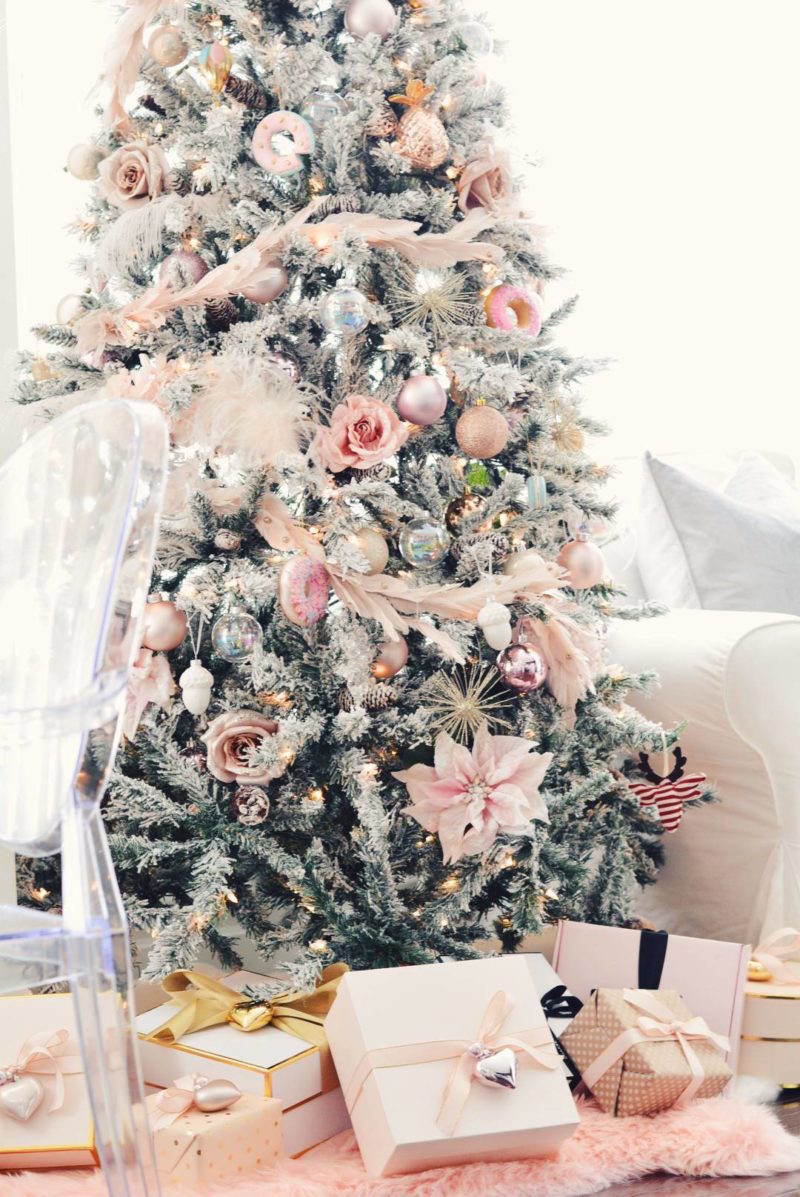 11 Gorgeous Blush Christmas Decorations Happily Ever After