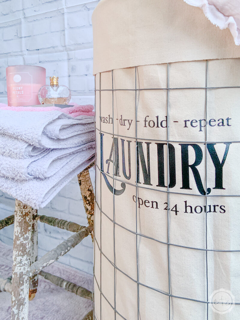 French styled rolling laundry cart that anyone can make