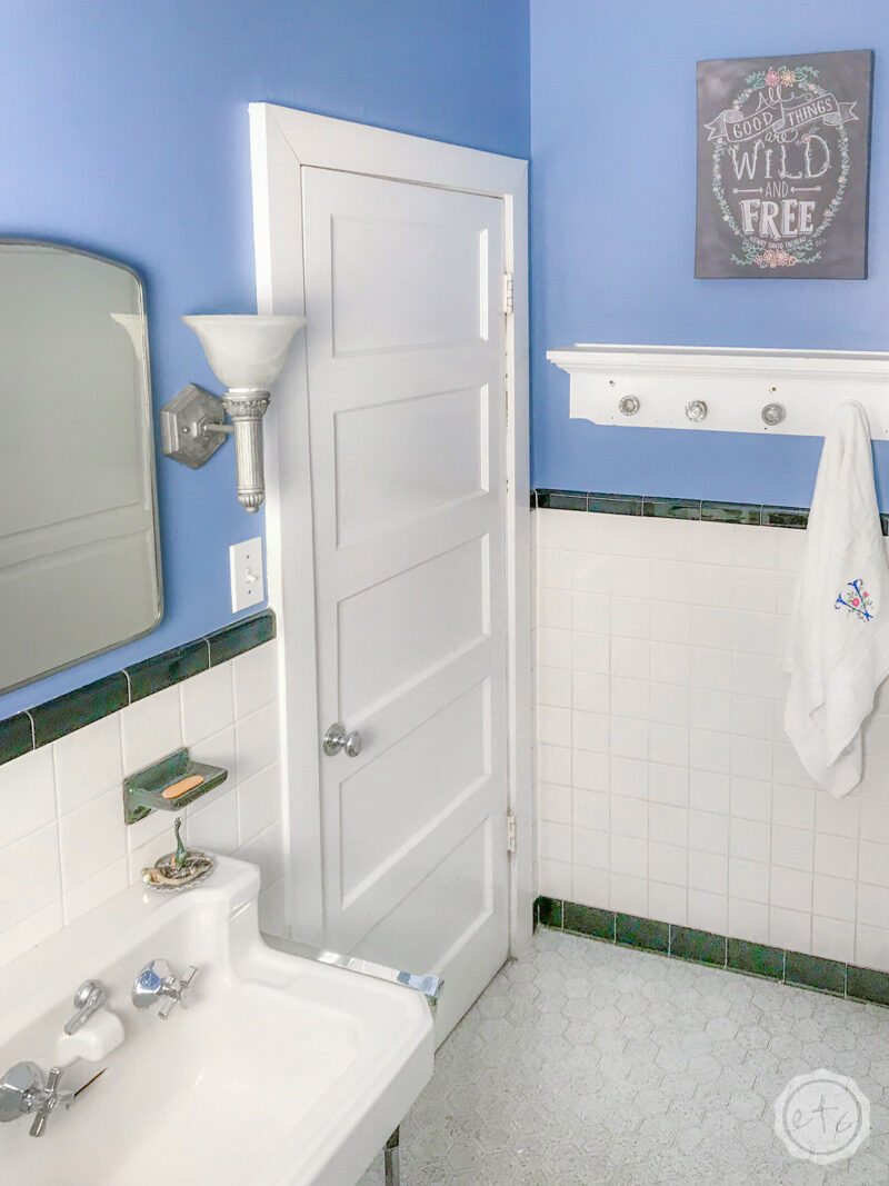 5 Tips For Painting A Small Bathroom, How To Paint A Small Bathroom