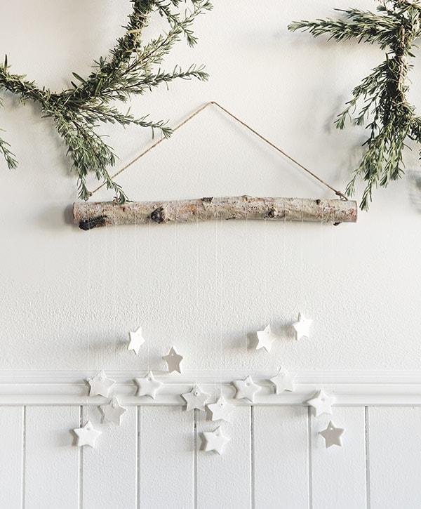 DIY Tiny Star Wall Hanging