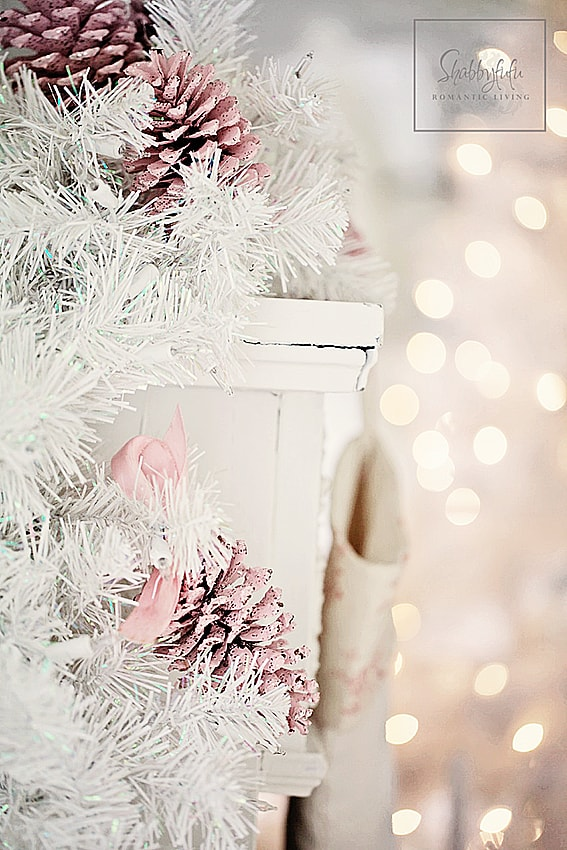 Christmas Mantel Styling Ideas