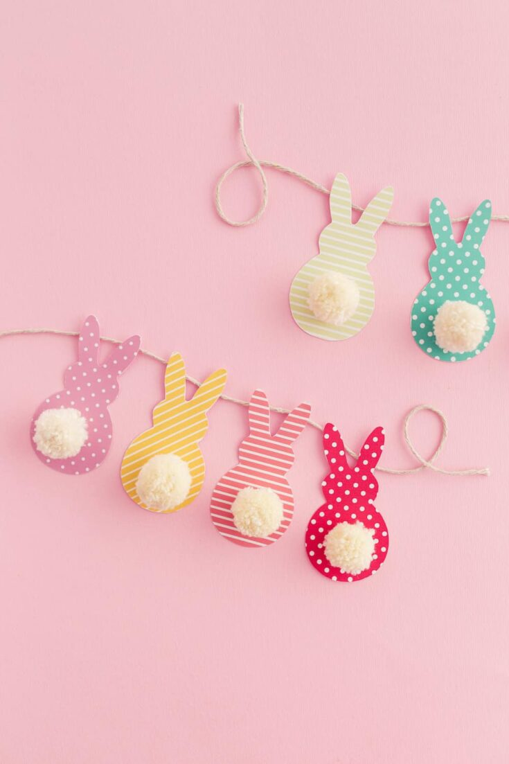 Pom Pom Bunny Tail Easter Garland