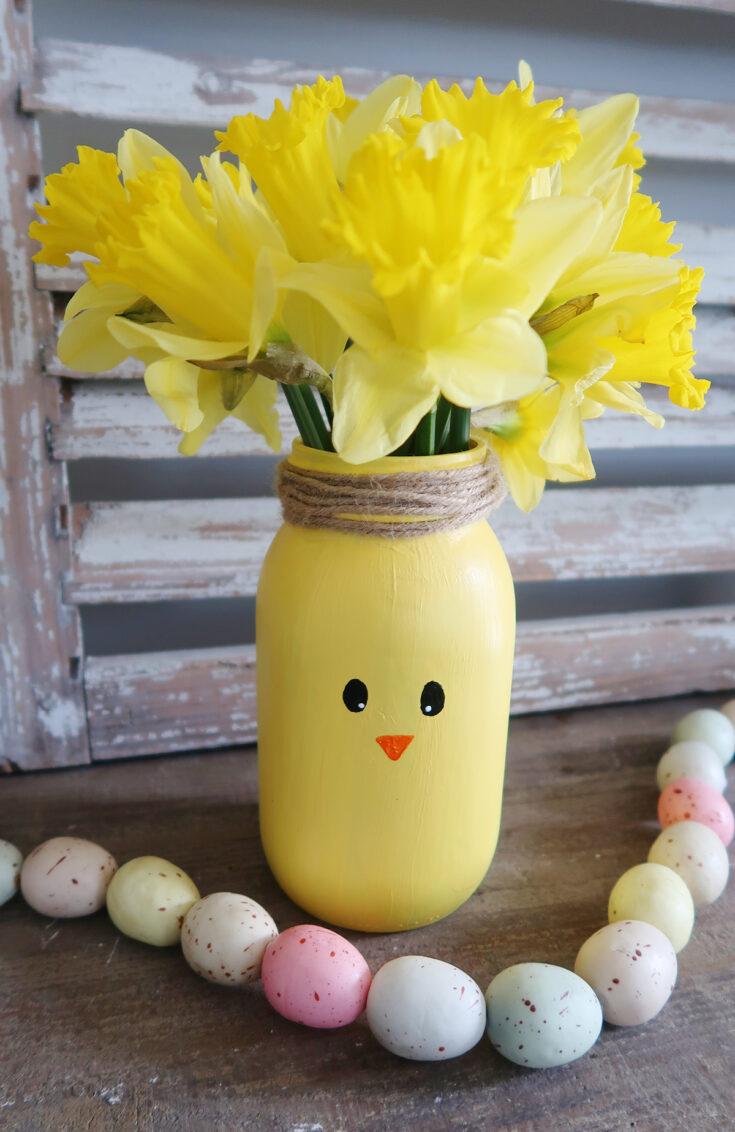 DIY Easter Chick Mason Jar Vase