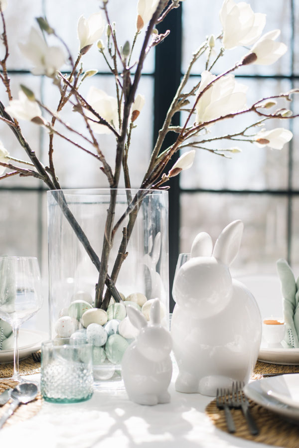 How to Set an Effortless Easter Tablescape